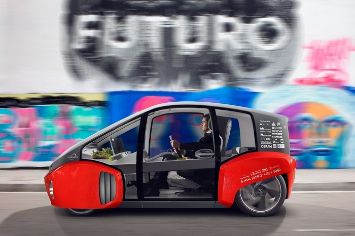 Rinspeed Oasis, an electric and autonomous concept car that blends driving as we know it