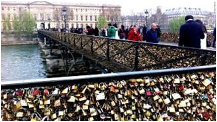Say 'I love you' with a padlock
